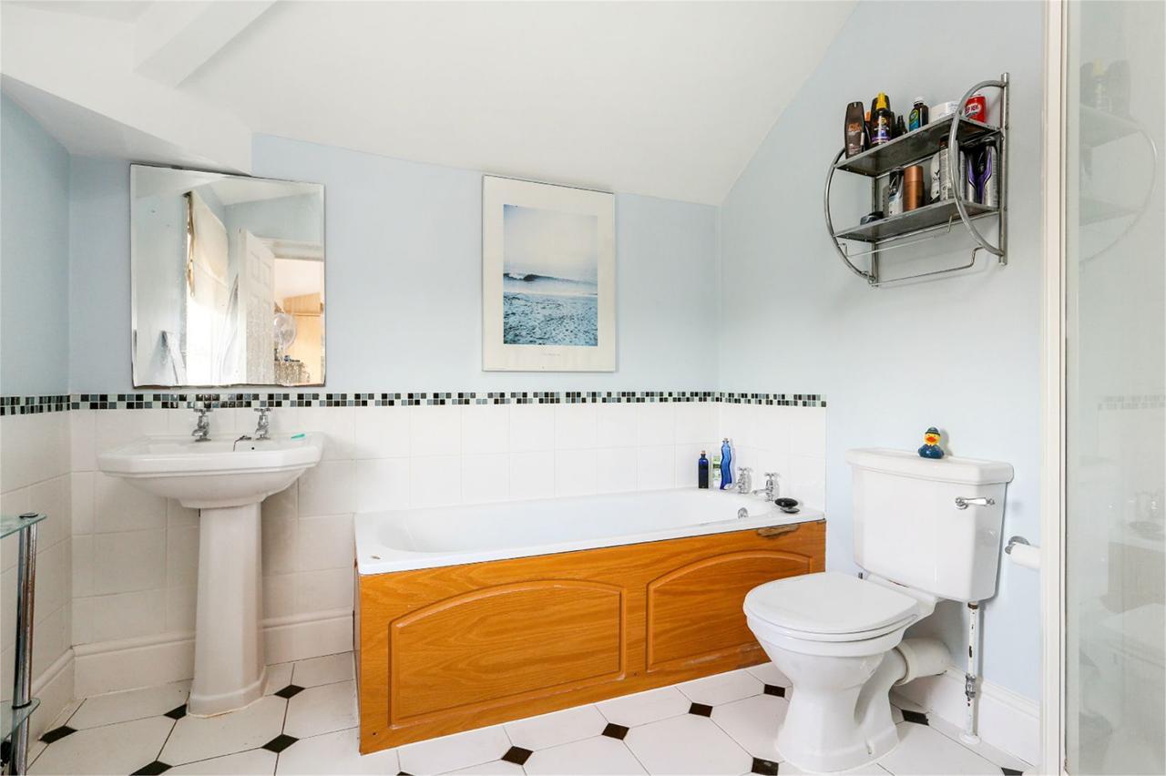 Property in Bath Road, Brislington, Bristol, BS4 5RT