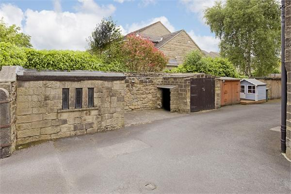 Yorkshire Terrace: Property In West Terrace, Burley In Wharfedale, Burley In