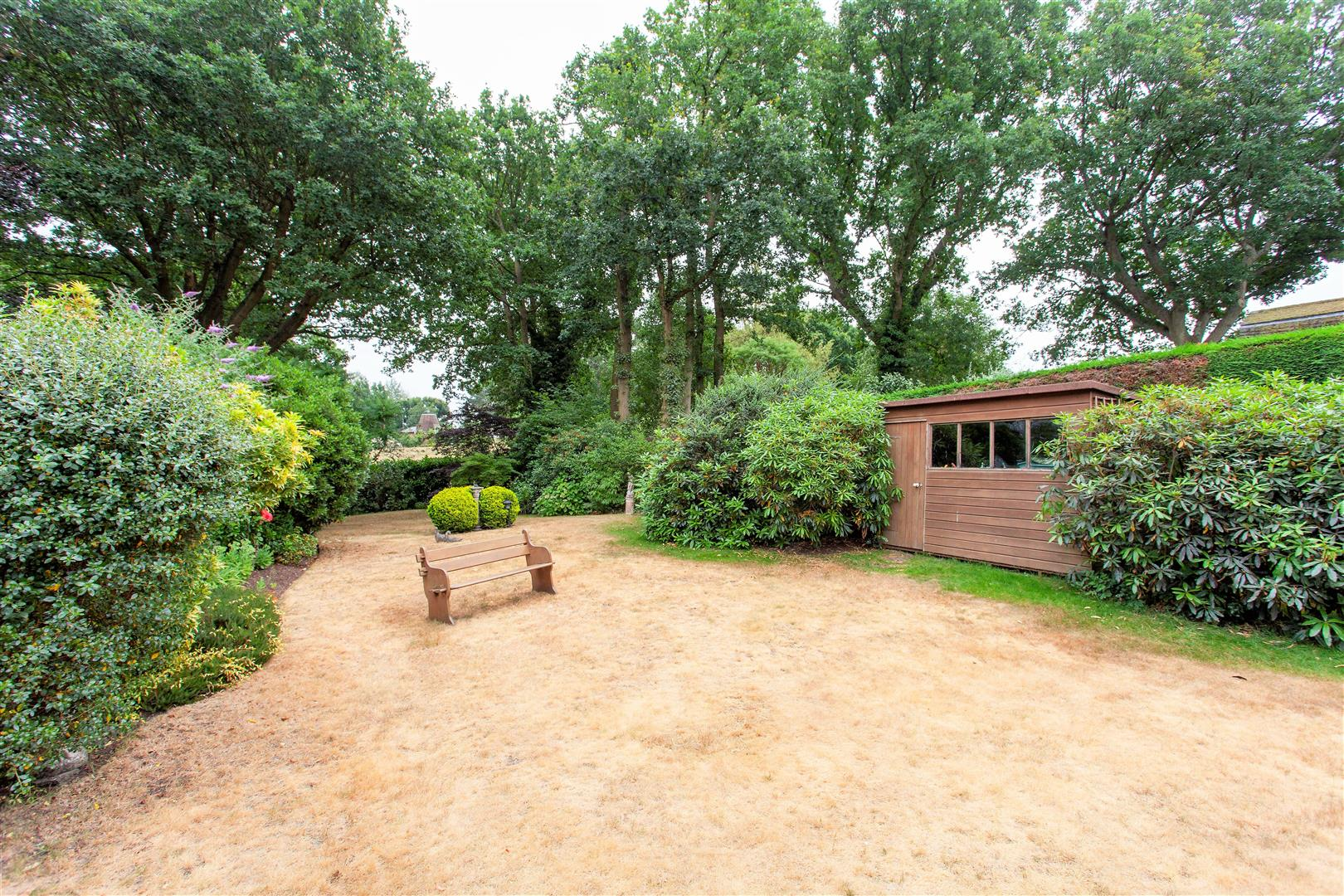 Property In Common Road Ightham Tn15