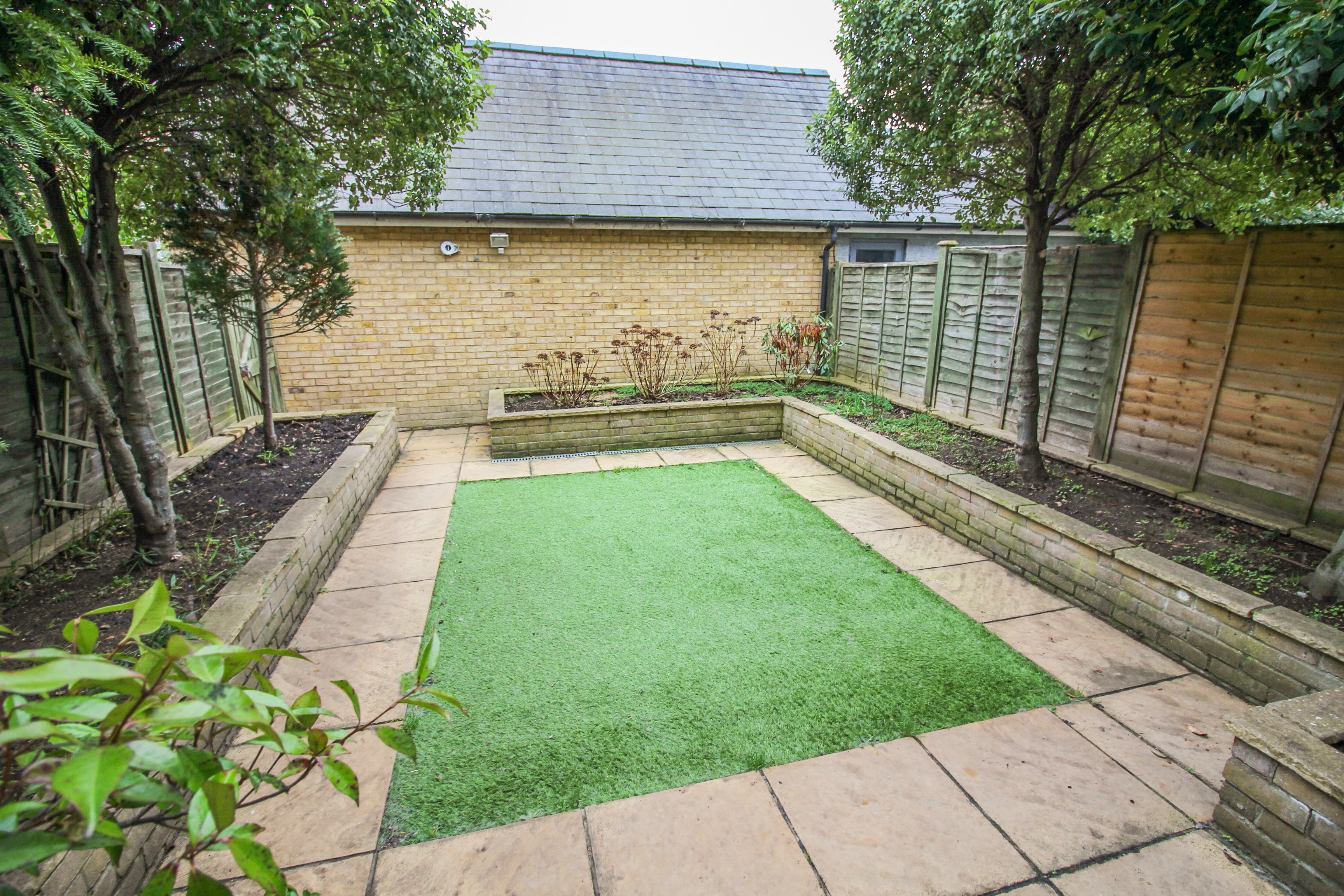 property in the chase  newhall  harlow  essex  cm17 9ja