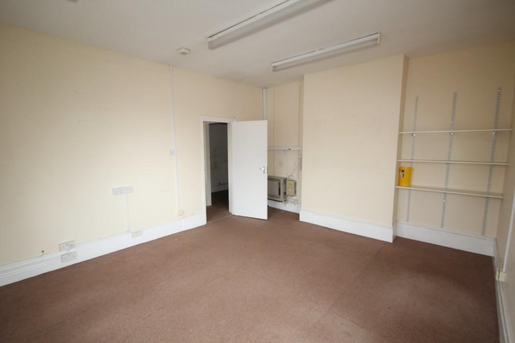 Property In Lincoln Road Enfield London En3 4ah
