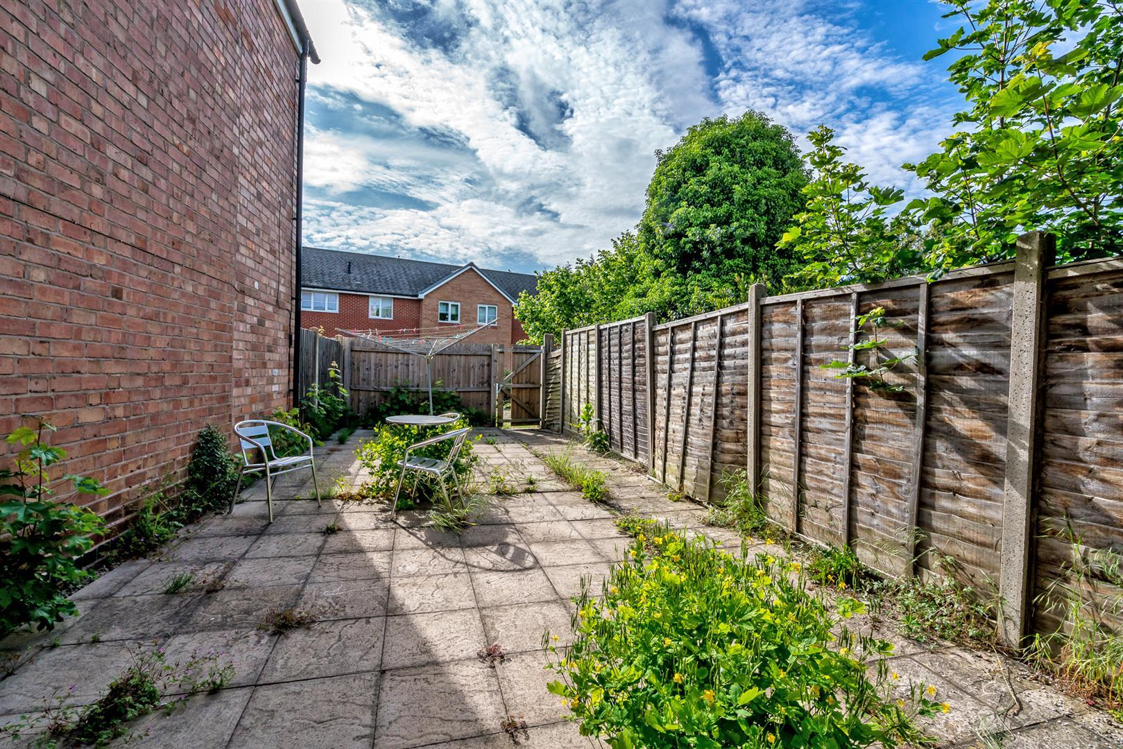 property in high street  leicestershire  le9