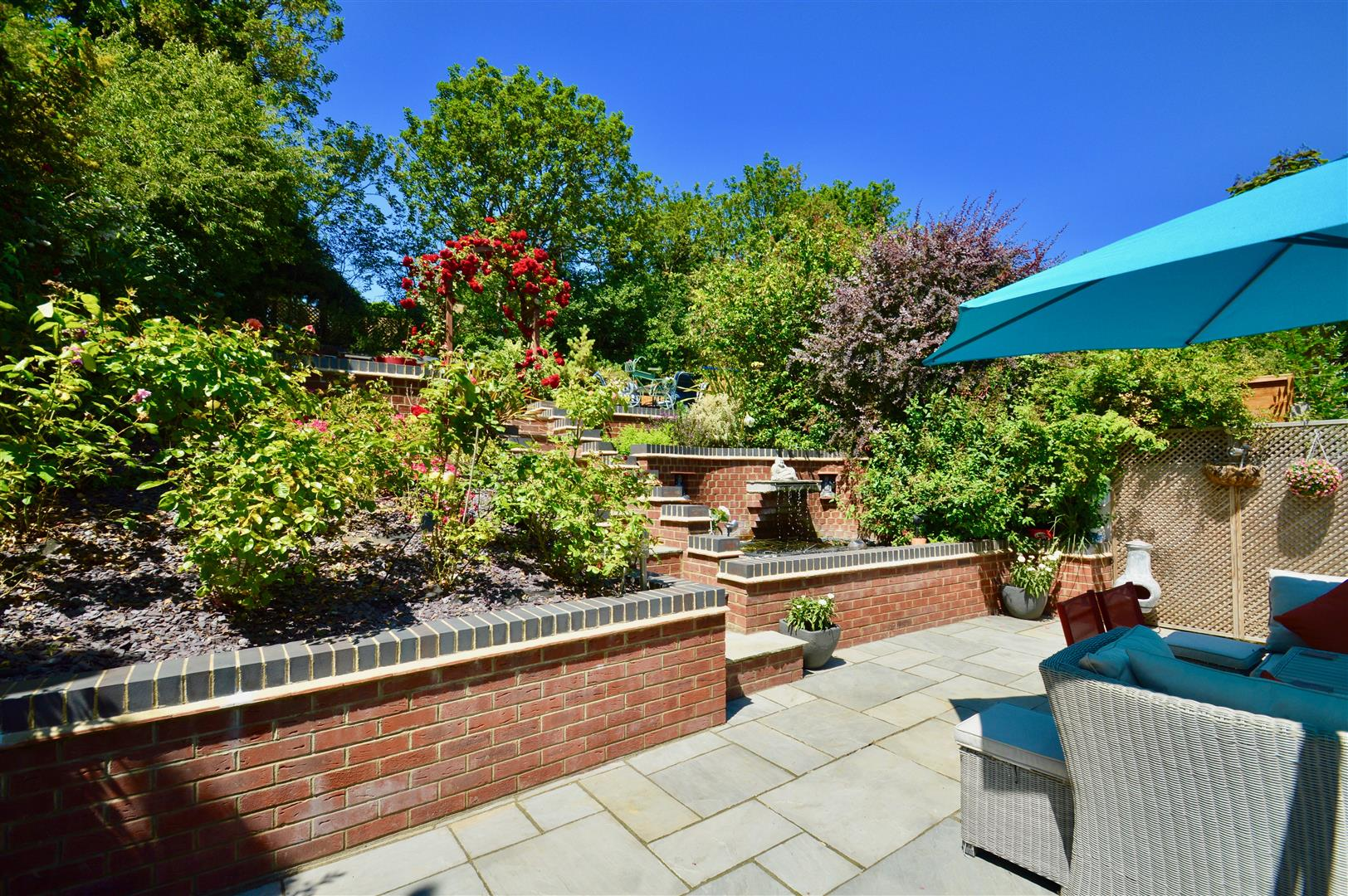 Property in Valley Drive, Gravesend, Kent, DA12 5RS